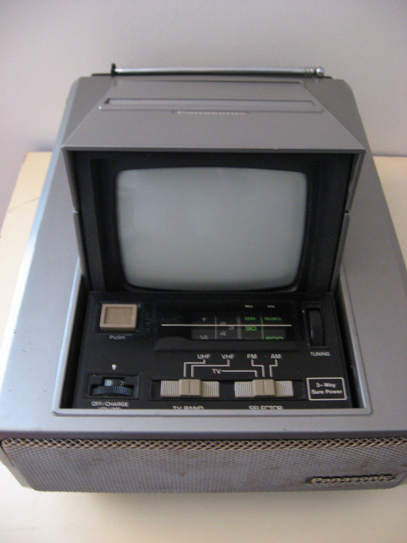 Vintage 1981 Panasonic TV / Radio
