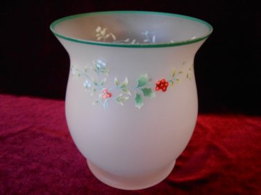 Pfaltzgraff Hurricane Style Candle Holder Winterberry