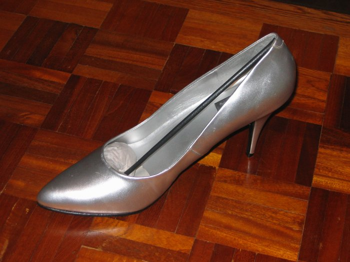 Classic Silver Pumps by Pleaser - Brand New in Box - 16
