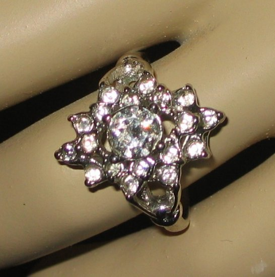 Gloria Vanderbilt Silvertone Bling Ring - Size 7
