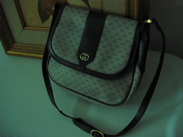 SOLD - AUTHENTIC GUCCI SIGNATURE HOBO BLACK GENUINE LEATHER ITALY - women's bag handbag purse