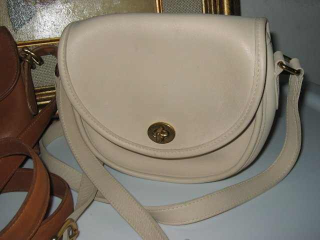 5.	AUTHENTIC COACH WHITE ROUND WOMEN'S LEATHER HANDBAG BAG PURSE