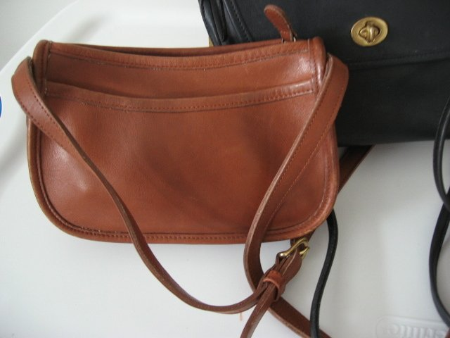 12.	AUTHENTIC COACH BROWN SMALL WOMEN'S LEATHER HANDBAG PURSE BAG