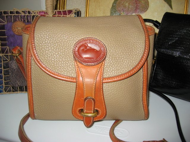 AUTHENTIC brown coffee tan DOONEY&BOURKE GREAT CONDITION WOMEN'S PURSE BAG HANDBAG LEATHER GENUINE