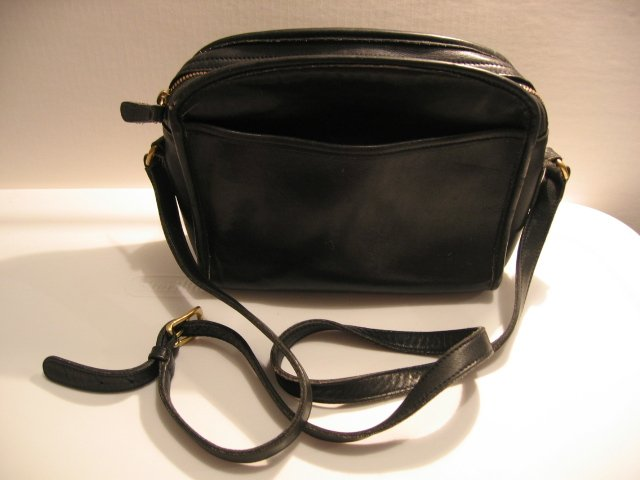AUTHENTIC COACH BLACK VINTAGE PURSE WOMEN'S BAG HANDBAG LEATHER GENUINE SERIAL NUMBER SEXY