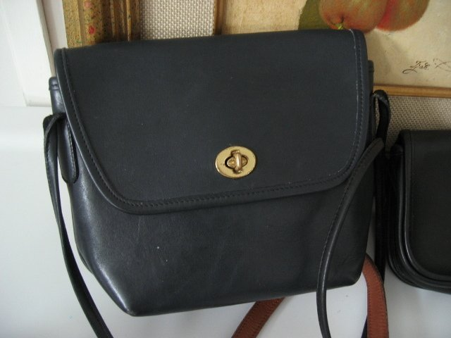 SOLD - AUTHENTIC vintage classic COACH TRAPEZOID BLACK LEATHER PURSE WOMEN'S HANDBAG BAG