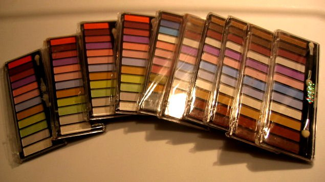 WHOLESALE 10 EYESHADOW eye-shadow EYE MAKEUP WOMEN'S HEALTH PERSONAL CARE BEAUTY