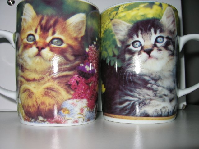 4 COFFEE tea cup MUGS CUPS KITCHEN HELLO KITTY CAT cats home