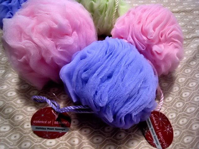 lot 2 MESH SPONGE love BATH BODY WORKS BEAUTY MAKEUP WOMEN'S LOOFAH ACCESSORY