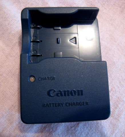CB-2LU OEM CANON ORIGINAL CHARGER POWERSHOT sd550 SD500 SD110 SD100 SD20 DIGITAL ELPH IXUS CAMERA