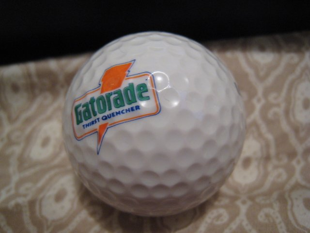 GATORADE - COLLECTOR'S GOLF BALL SPORTS MEMORABILIA DECORATIVE COLLECTIBLE HOME HOBBY