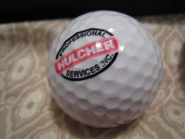 PROFESSIONAL HULCHER - COLLECTOR'S GOLF BALL SPORTS MEMORABILIA DECORATIVE COLLECTIBLE HOME HOBBY