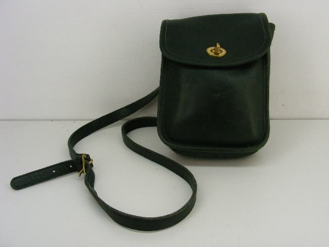 AUTHENTIC BLACK purse dark green leather COACH mini VINTAGE camera messenger BAG #081109A