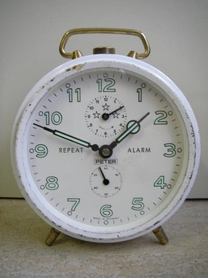 ALARM CLOCK PETER GERMANY 60's VINTAGE HOME BED OFFICE WHITE GLOW B-WHITE