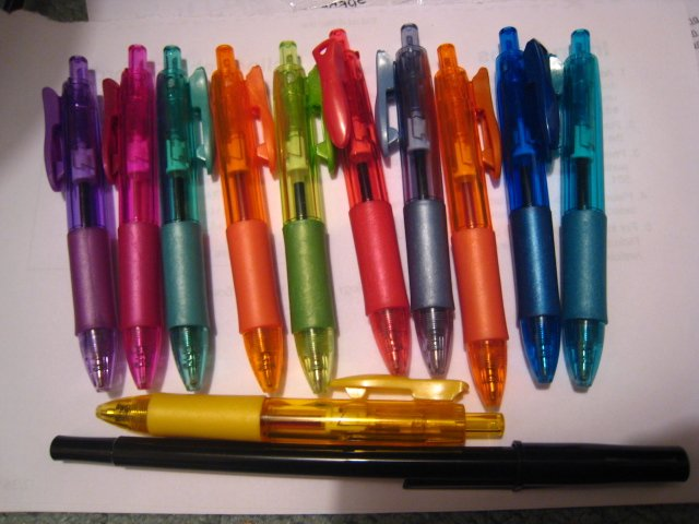 MINI ME CLICK PEN PENS HOME OFFICE SUPPLY WRITING