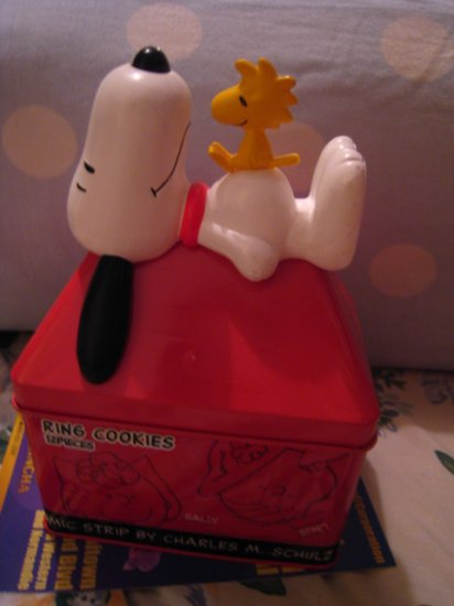 japan SNOOPY WOODSTOCK BIRD DOG COLLECTIBLE TIN CAN FIGURINE RED HOME DECOR GIFT