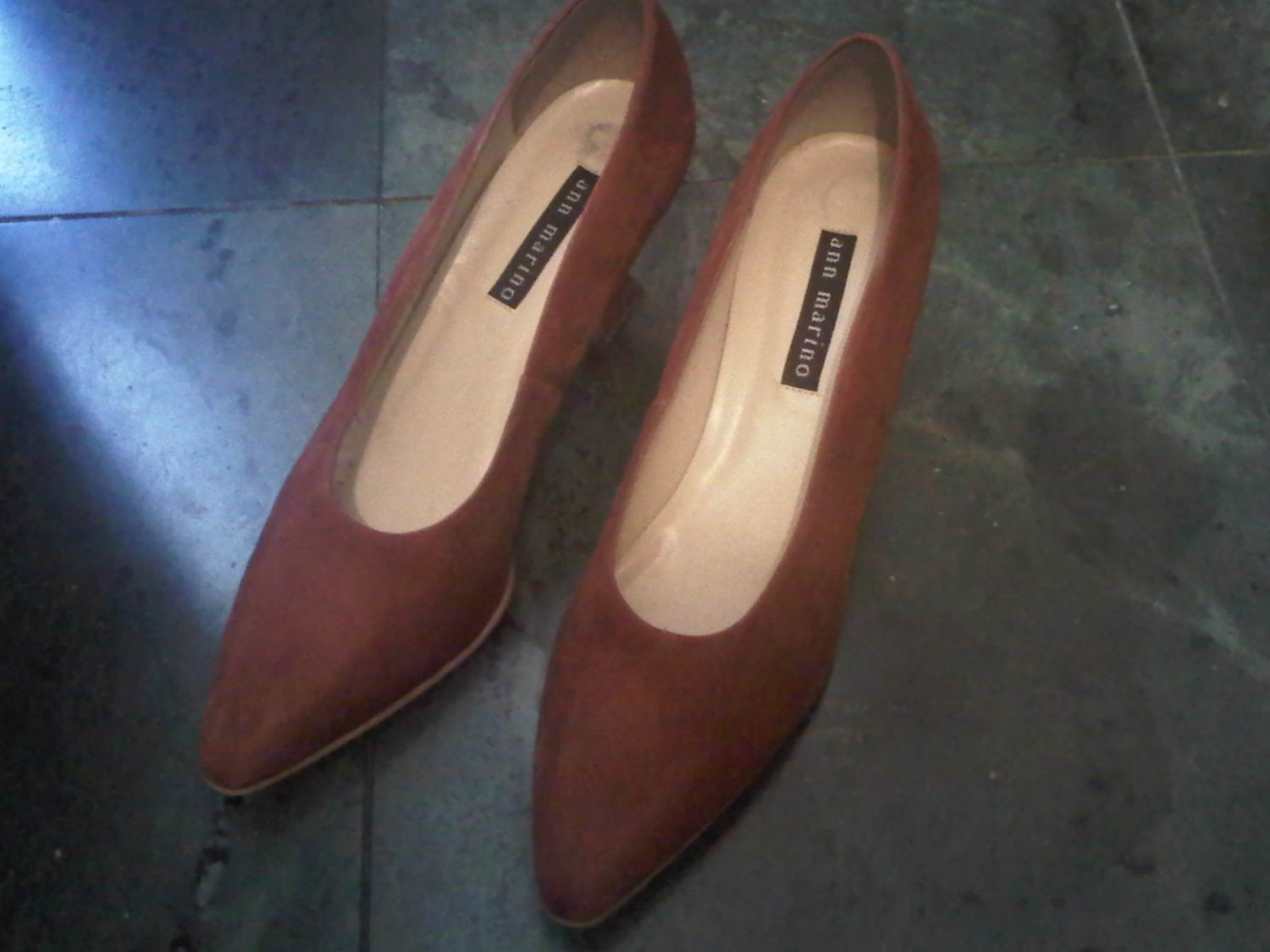 ANN MARINO BROWN SUEDE HEELS DRESS SHOES WOMEN'S 9 LEATHER CLOTHES ACCESSORY