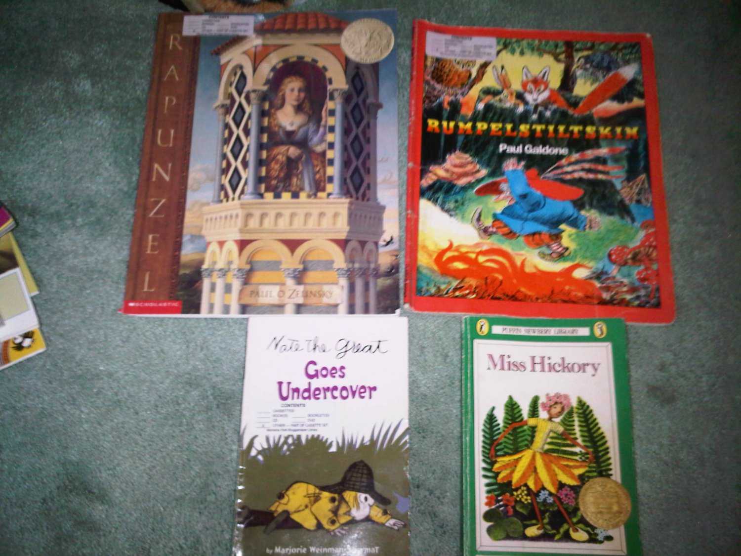 F lot set of 4 book books children's illustrated home activity