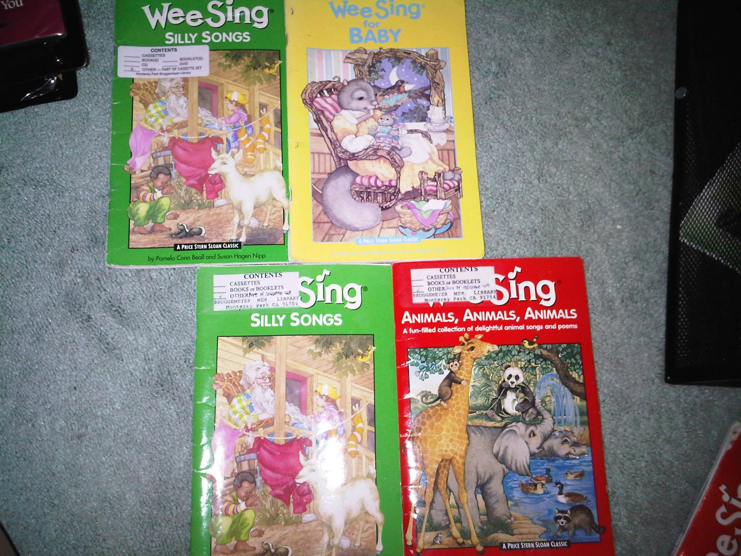 H lot set of 4 book books children's SING ALONG WEE SING home activity