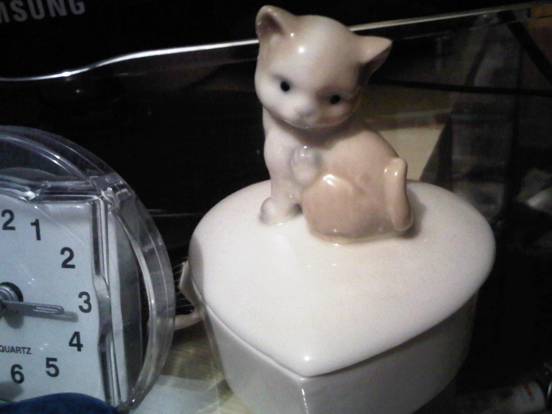 JAPAN CAT JEWELRY BOX KITTEN CUTE WHITE DECORATIVE COLLECTIBLE FIGURINE HOME