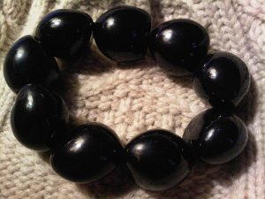 hawaiian hazelnut bracelet black VINTAGE JEWELRY WOMEN'S FASHION CLOTHING ACCESSORY
