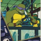 TMNT Fleer Series 2 Trading Card - Gold Parallel #32 - The Shredder Strikes - Ninja Turtles