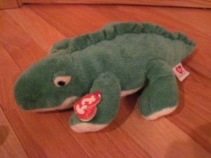 Ty Retired Pluffies Green Alligator Crocodile named Chomps Tylux 2005
