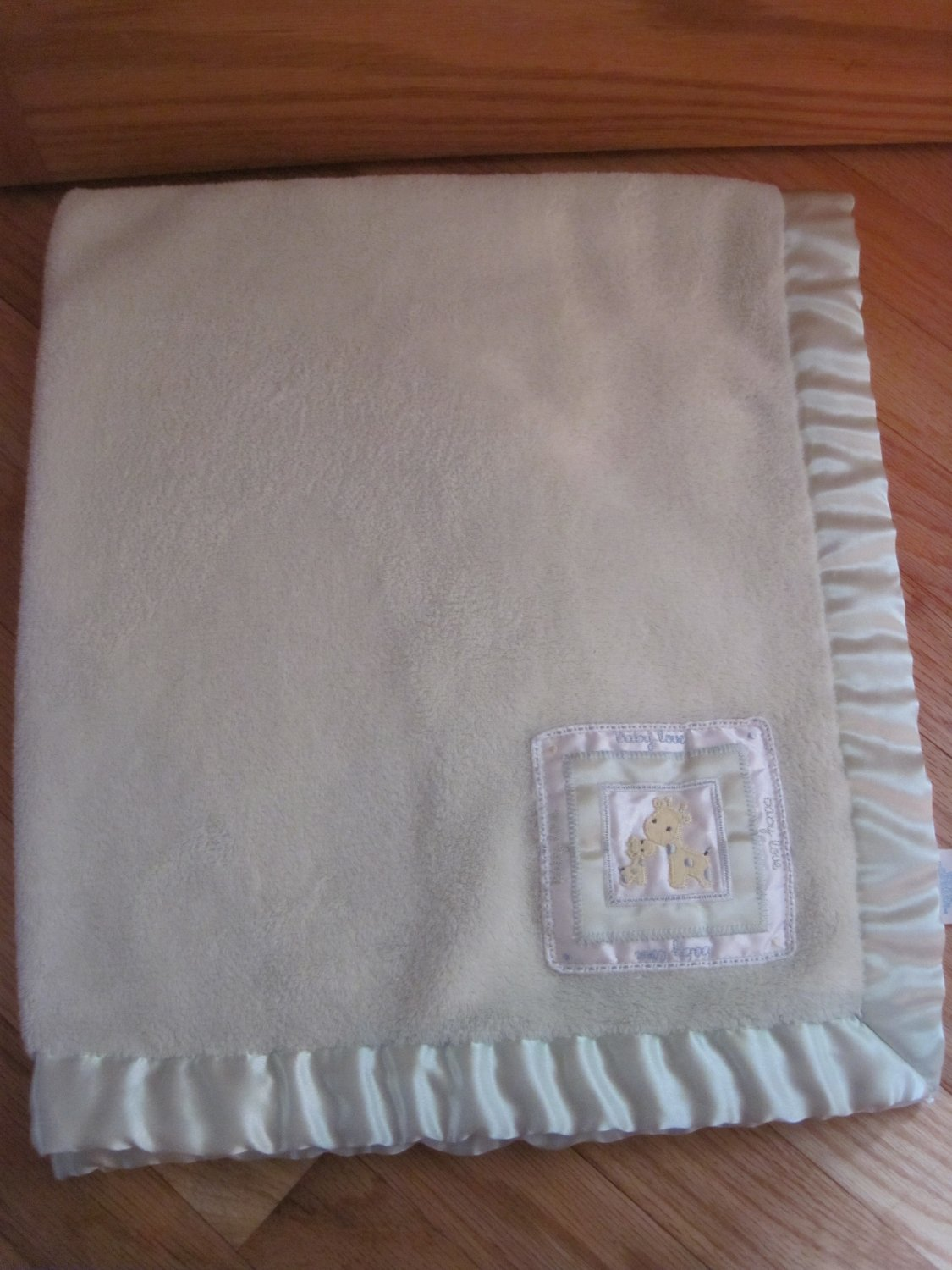 Carter's Baby Love Giraffe Light Green Baby Blanket Satin Trim