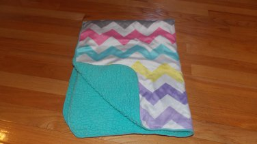 Target Circo White Pastel Zig Zag Teal Sherpa Baby Blanket