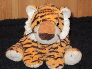 Ty Pluffies Plush Tiger named Growler Perfect lovey from 2005