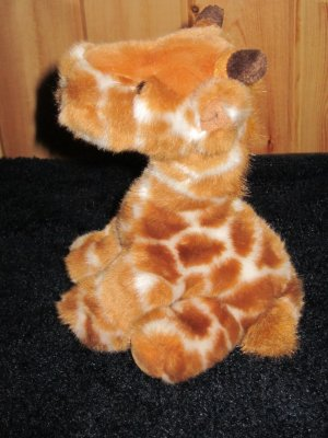 Russ Berrie plush Giraffe named Longfellow #21010