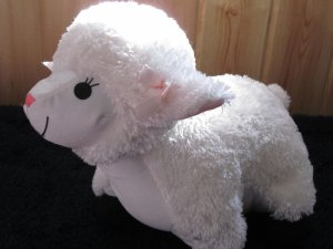 Moshi Brentwood Originals Plush Lamb
