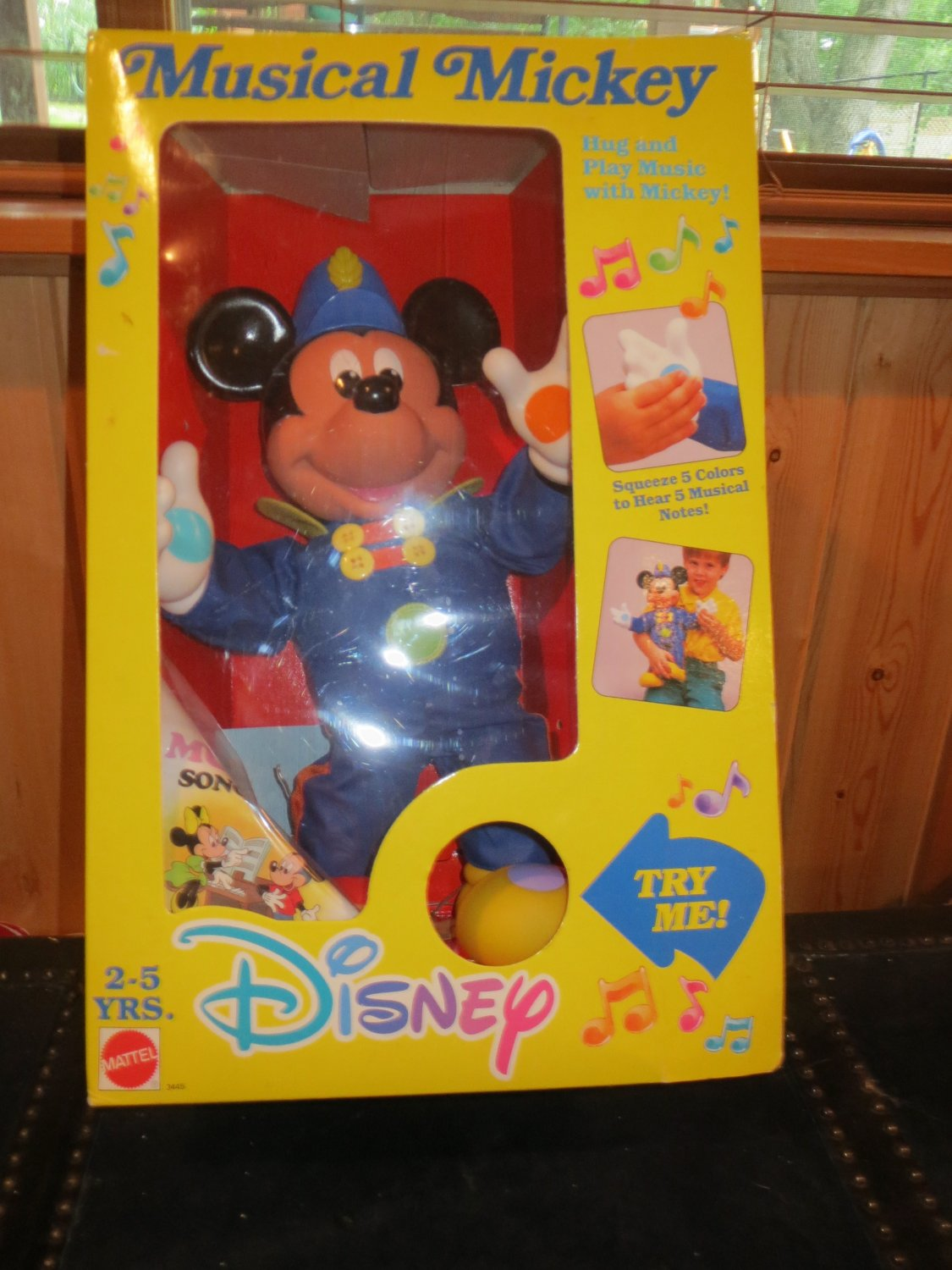 Vintage 1990 Disney Mattel Mickey Mouse Hug and Play Musical Notes