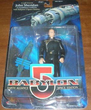 BABYLON 5 CAPTAIN JOHN SHERIDAN W/BABYLON 5 SPACE STATION ACTION FIGURE