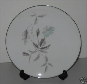 Noritake Dinner plate Corliss  Pattern 5765   M1