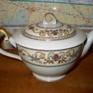 Royal Embassy Wheeling Tea Pot with Lid RARE   B05