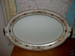 Royal Embassy Wheeling Lg Oval Serving Platter   B04
