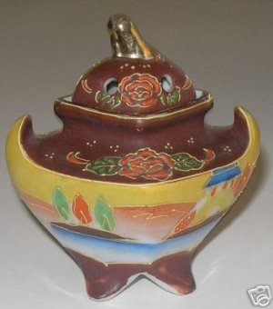 Vintage Beautiful Footed Japanese  Incense Burner  A1