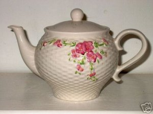 Teleflora Tea Pot White with Flowers   I15