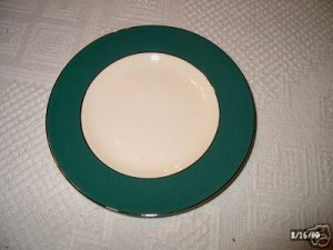 Laughlin Cavalier Eggshell Green Bread Plate I05
