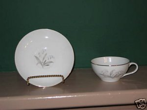Kaysons Golden Rhapsody Cup and Saucer   I34