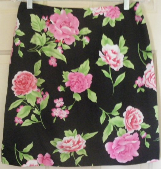 DRESSBARN Black Above-knee STRETCH Floral Print Skirt size 6