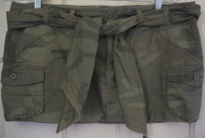 WET SEAL Micromini Belted CAMOUFLAGE Cargo Skirt size 11