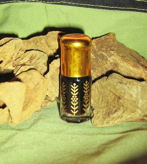 INDIAN PURE AGARWOOD OUDH GAHARU OIL