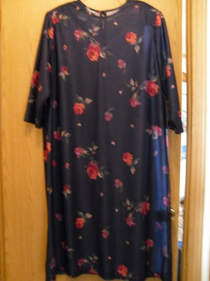 Woman's Plus size 20 Navy and floral print pullover dress