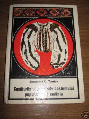 Romanian costumes  blouses aprons  /Romanian folk art