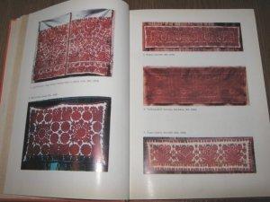 Hungarian folk art Transylvania Kalotaszegi costumes