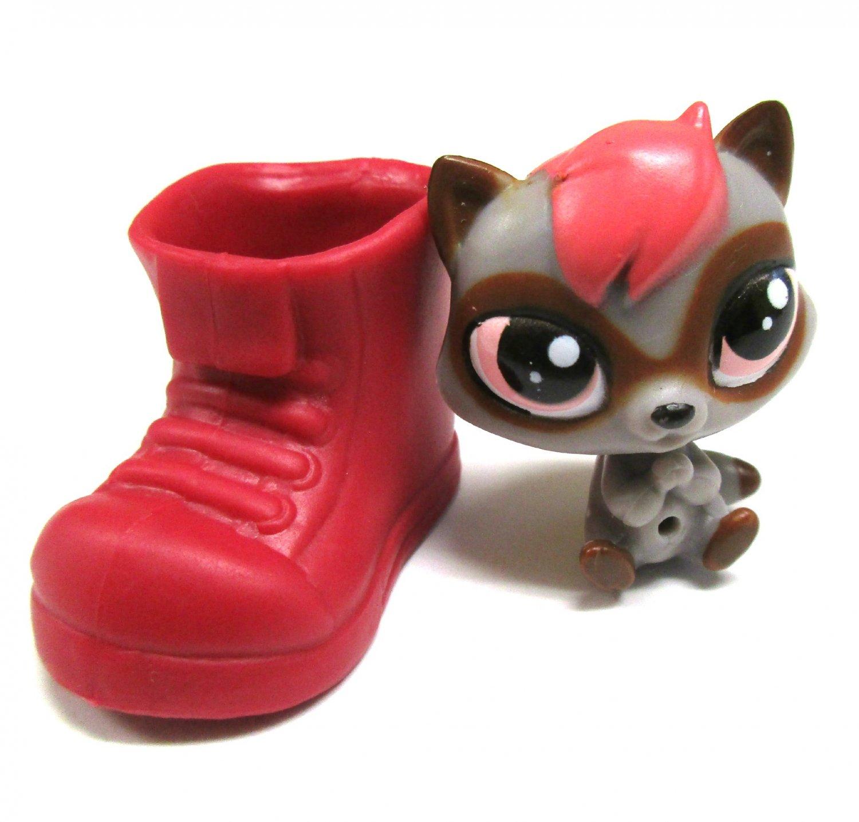 Littlest Pet Shop Raccoon Mini LPS Toy Collectible Figure & Hideaway Shoe
