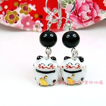 A0168-100% Good Quality Lucky Cat Earrings (Black)