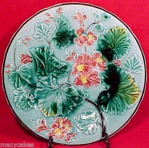 ANTIQUE SARREGUEMINES & VB  MAJOLICA PLATE, pc18